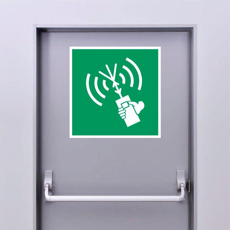 Autocollant Panneau Radio VHF portable - ISO7010 - E051