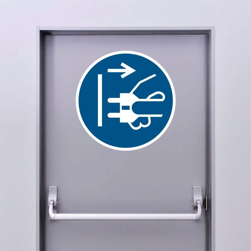 Autocollant Panneau Débrancher la prise d'alimentation du secteur - ISO7010 - M006