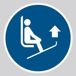 Autocollant Panneau Lever les pointes des skis - ISO7010 - M036
