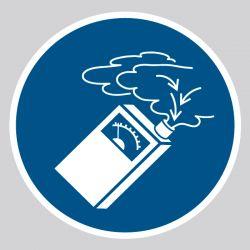 Autocollant Panneau Utiliser le détecteur de ga - ISO7010 - M048