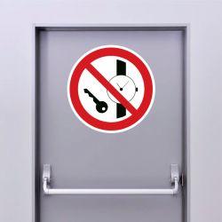 Autocollant Panneau articles métalliques ou montres interdits - ISO7010 - P008