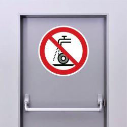 Autocollant Panneau ne pas utiliser pour la rectification humide - ISO7010 - P033